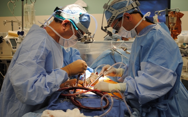 Transplantace srdce se dá zvládnout i za dvě hodiny, prozradil expert z fakultní nemocnice v Brně