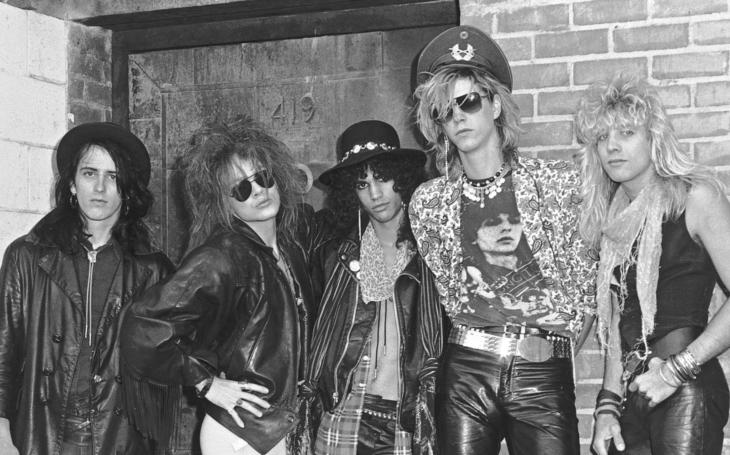 Guns N' Roses zase spolu? Ne v tomhle životě. Válka mezi Axlem Rosem a Slashem je zatím u ledu, ale…