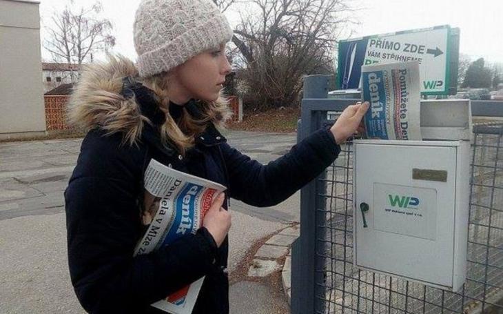 Fakt nejsou lidi. Novináři si musejí roznášet noviny sami. Čest zachraňují srdcaři