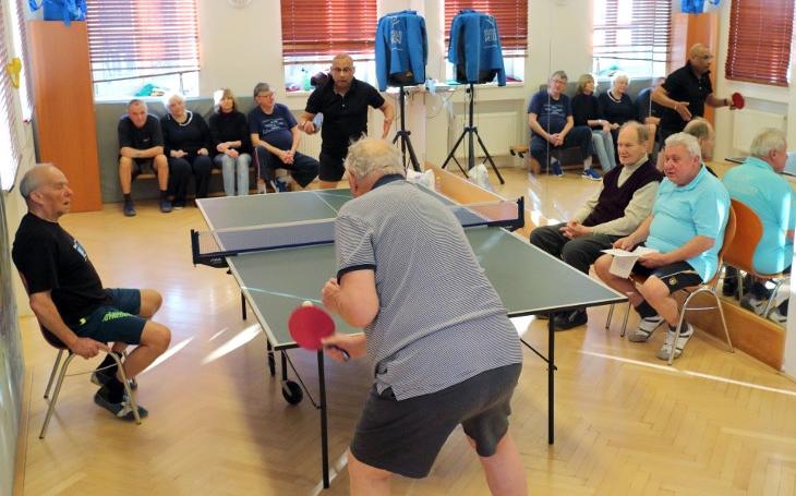 Seniorský turnaj ve stolním tenisu v Komunitním centru Prádelna letos již popáté