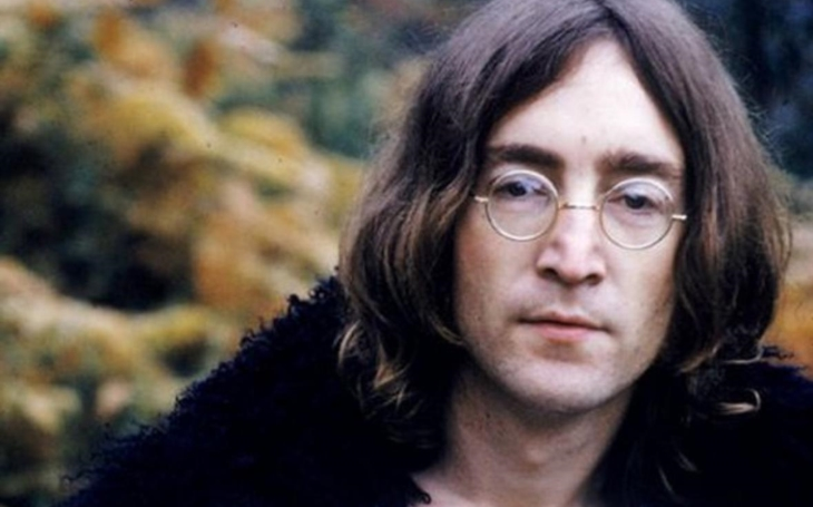 "Normalizací usmýkané máničky ronily slzy do půllitrů: ""John Lennon je mrtvej, kurva!"" Imagine all the people…"