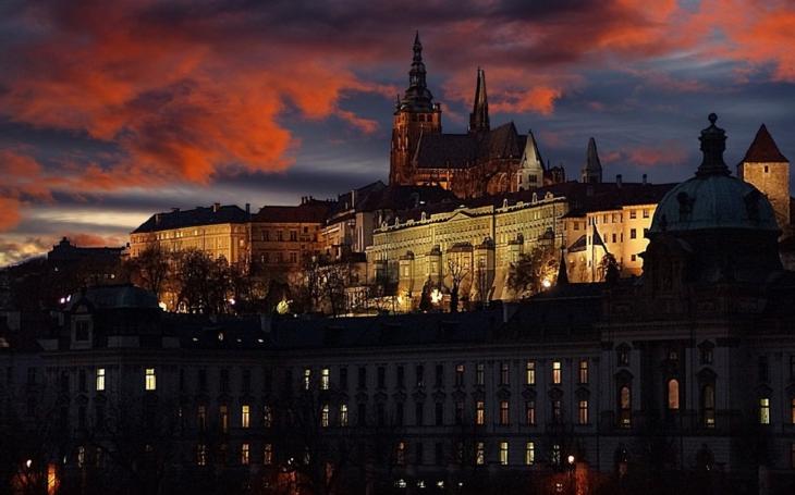 Čekají nás další dva horké politické týdny. Prý to bude nejtvrdší předvolební kampaň v českých dějinách