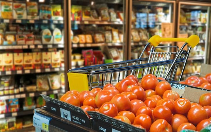 Potraviny na mušce. Novela zákona, supermarkety, potravinové banky, farmáři... a co dál, doktore?