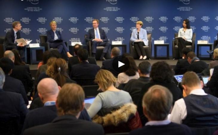 Světové ekonomické fórum v Davosu ponižuje ženy. Komentář Štěpána Chába