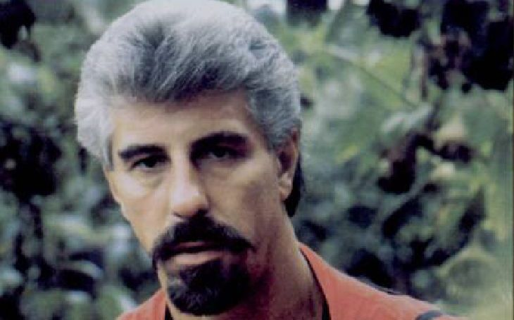 Začínal jako bigbíťák a holky okouzloval mušketýrskou vizáží. Ta mu vydržela, i když… Tajnosti slavných