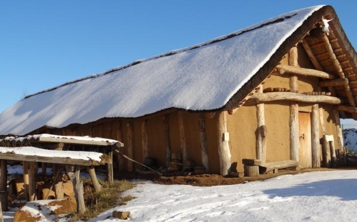 Ve Všestarech znovu zažijí dobu ledovou a neandrtálce, archeopark tak začal již pátou sezónu