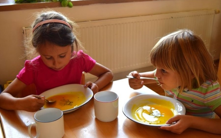 Budoucnost je v´jídle na zakázku´. Až 48000 tun jídla ročně se vyhodí ve školních jídelnách, doma na tom nejsme lépe