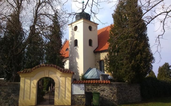 Levý Hradec: Sídlil zde přemyslovský kníže Bořivoj I., je tu první kostel v Čechách... Český poutník