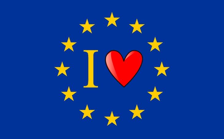 Do řady a povinně milovat Evropskou unii. Povinně! Komentář Štěpána Chába