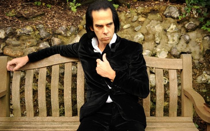 Zběsilé ro(c)ky, plné drog, alkoholu a ikonických alb se vypařily s osmdesátkami… Nick Cave a jeho dobré sémě