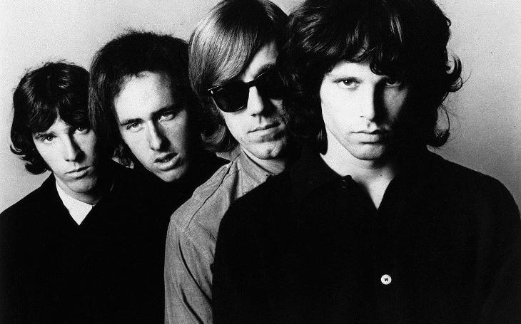 Jsou věci známé a věci neznámé a mezi nimi jsou dveře. Jim Morrison a The Doors, potemníci květinového hnutí