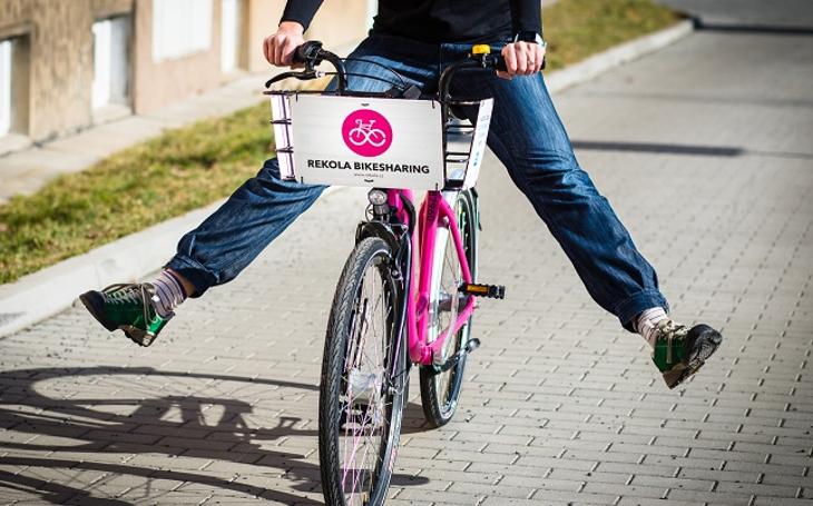 Nasedat, jede se z kopce. Liberec zavedl službu sdílení kol, bojuje tím proti znečištění, zahlcenosti dopravy i tloušťce