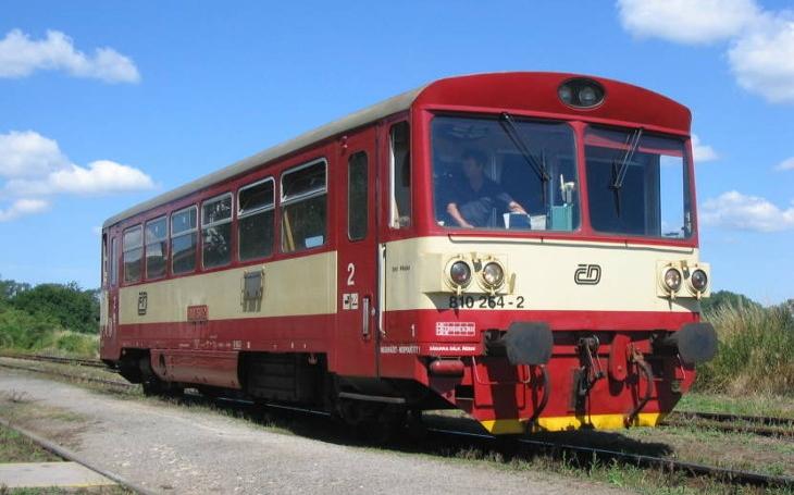 Naše regionální tratě vlastně obsluhuje šrot na kolejích, rozkatil se hejtman a začíná jednat s dopravci