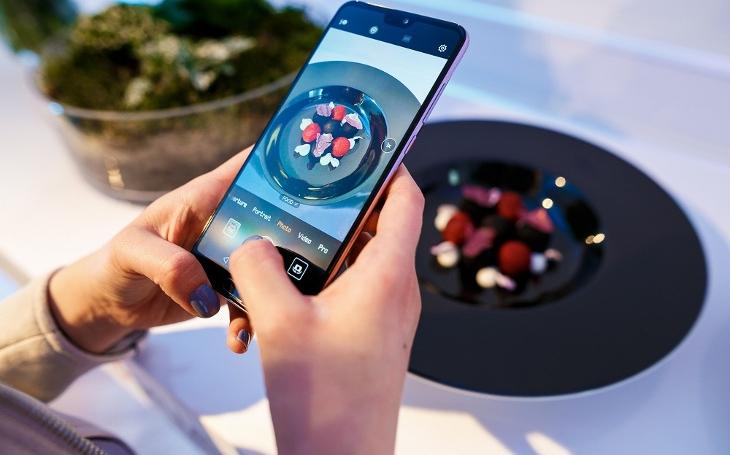 Huawei dělá marketing jako chudý začátečník. Komentář Štěpána Chába