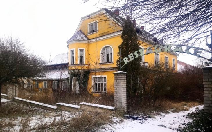 Smutný osud panského dvora Švamberk. Historický objekt nahradí průmyslová zóna