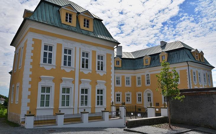 Na bíloveckém zámku psal Karel May, jak se nedávno zjistilo z deníků barona Moritze Sedlnitzkého. Knihovna ale...