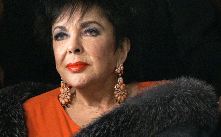 Kdysi krásná herečka se bála podívat do zrcadla a málem se upila k smrti. Konec na kolečkovém křesle... Tajnosti slavných