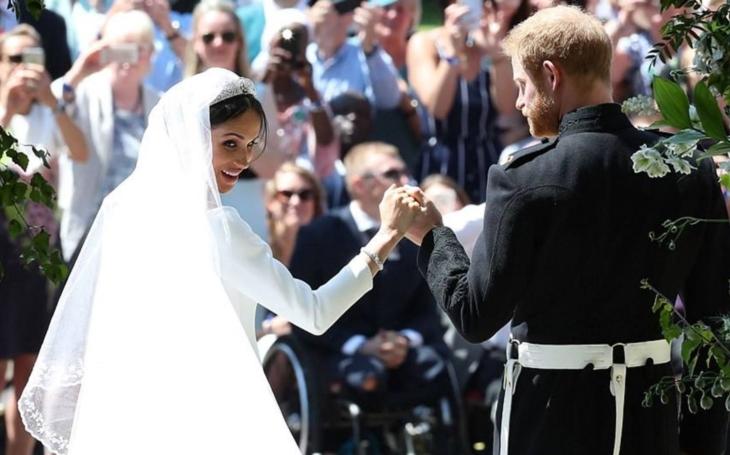 Jak se stát šlechtičnou snadno a rychle? Svést královského spratka. Pár otázek kolem královské svatby