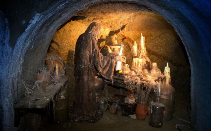 Středověká rodinka u ohniště i s husou… Znojemské podzemí dostane nové atrakce a rozšíří se naučná stezka