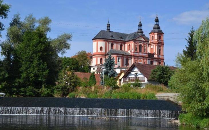 Roztavili ho pro válečné účely… Město Přeštice nyní vyhlásilo veřejnou sbírku na nový kostelní zvon, Zvon přátelství