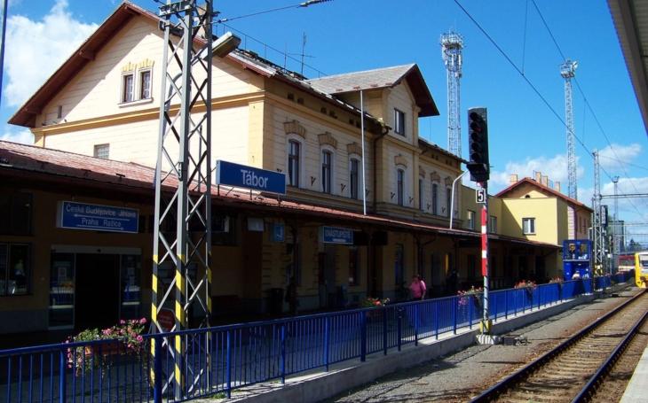 Zázrak, alespoň tedy v Česku. Cesta vlakem z Prahy do Tábora se zkrátí na hodinu