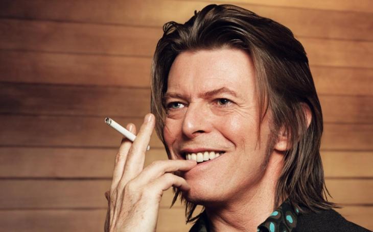 Bowie nahrál nejslavnější alba ve stínu berlínské zdi; kolem vojáci se sapíky a mrazivá atmosféra studené války