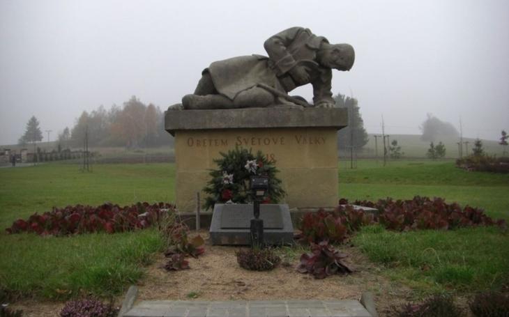 Dárek ke 100 letům republiky. Kraj pomůže obcí opravit památníky a válečné hroby
