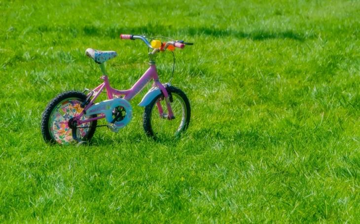 Podařilo se nám vybrat tolik, že můžeme podpořit 21 rodin... Chudé rodiny dostanou pro děti nová kola