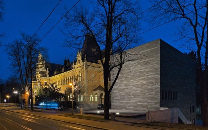 Sudek, Funke, Drtikol, ale i Tono Stano. Oblastní galerie Liberec zahájila obří fotografickou výstavu, na níž by byla i Praha hrdá