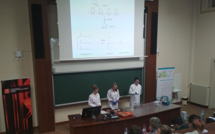 ChemQuest a Mezinárodní chemická olympiáda. Zájem o chemii se v ČR zvyšuje i díky badatelsky orientované výuce a žákovským kláním