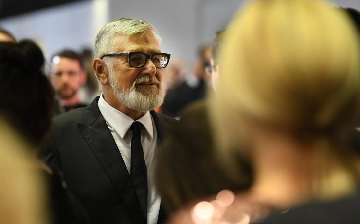 Největší playboy českého filmu klame tělem. Velký průšvihář se slabostí pro blondýnky. Tajnosti slavných