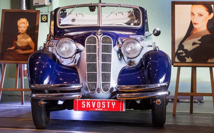 Unikátní přehlídka historických i současných automobilů… Skvosty s vůní benzínu v horké červencové Plzni