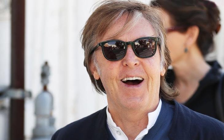 Michael Jackson a Paul McCartney: Z kamarádství zůstaly jen tahanice o prachy. Získá Paul  svá práva zpět? Sobota Pavla Přeučila