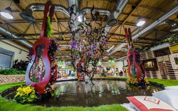 Květinová procházka první republikou na výstavě Floria Léto