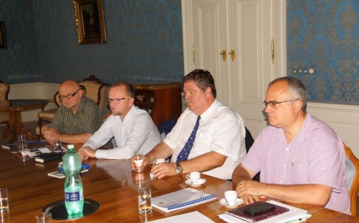 Stát má zájem finančně podpořit opravu Larischovy vily. Kraj již přislíbil 15 milionů