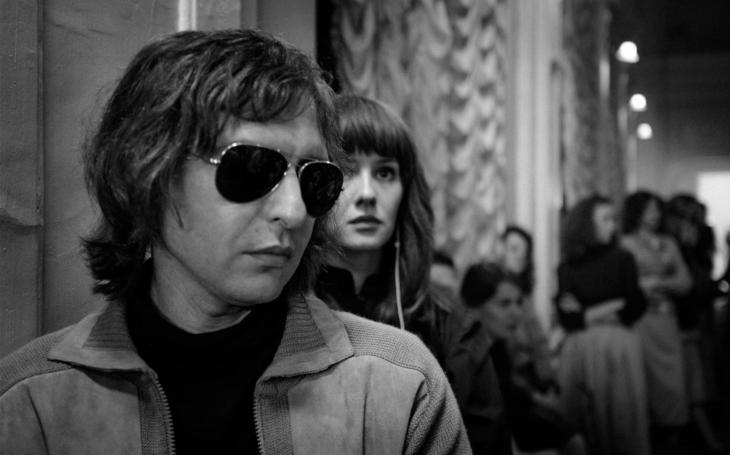 Ruský film Léto představuje rockové podzemí v černobílém světě SSSR. Premiéry Pavla Přeučila
