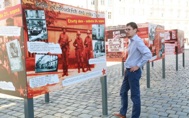 Jde o ilegální fotografie, které jsem během normalizace dvacet let schovával… Výstava v Olomouci připomíná okupaci z roku 1968