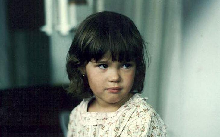 Tahle holčička je nezapomenutelná. Zazářila, pak se ale kamsi ztratila… Tajnosti slavných