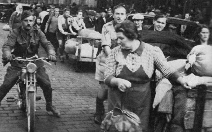 Napřed říkaly, počkej, půjdeš, pak jim jejich němečtí rodiče zakázali si s námi hrát… Tři příběhy, ´malé´ dějiny Mnichova