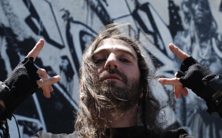 Hrát s kytaristou ze System of a Down? Nabídka, která se neodmítá, říká gruzínsko - český bubeník