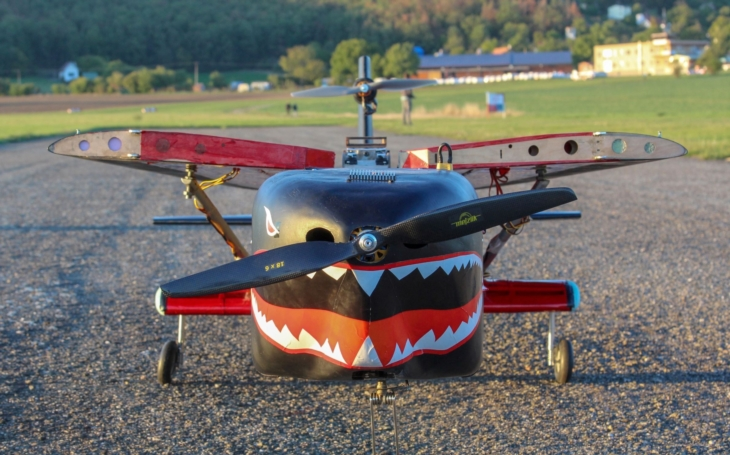 Úspěch se Sharkem. Brněnští studenti zvítězili se svým bezpilotním letounem na mezinárodní soutěži Lufthansy a Airbusu
