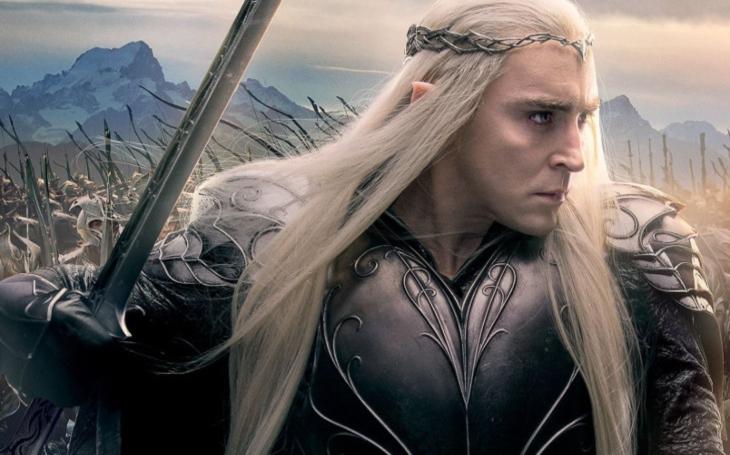 Když se donašeč nazve odbojářem, nasadí pokryteckou masku elfa a tvrdí, že on bojuje za dobro. Komentář Štěpána Chába