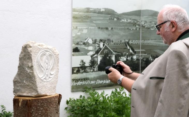 Adalbert Stifter z rakouského Mühlviertelu jezdí každý měsíc… V Horní Plané bude sraz příbuzných ´básníka Šumavy´ Stiftera