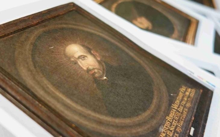Telč má výjimečnou kolekci, bohužel zatím jen v depozitáři. Osmnáct portrétů jezuitských generálů se stalo kulturní památkou