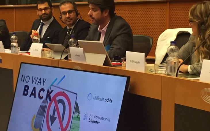 Byznys má přednost před zdravím obyvatel, i v Radě EU. Buď jed odstraníme, nebo sníme