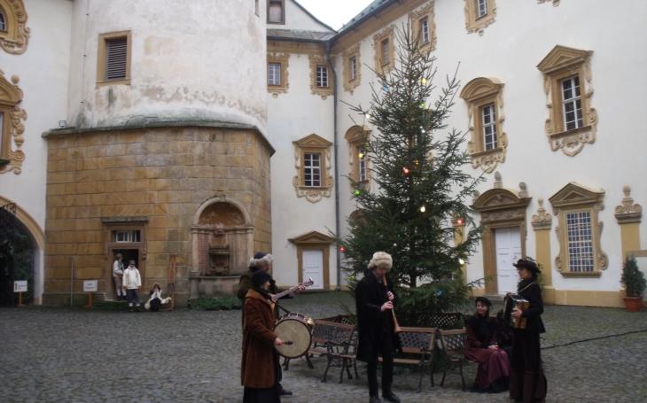 Chudák služebnictvo musí narychlo připravit Vánoce pro Františka Clam-Gallase… Adventní program na Lemberku a dalších libereckých hradech a zámcích