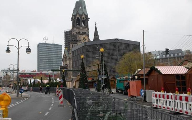 Rozhovor berlínských radních před vánočními trhy roku 2024. Komentář Štěpána Chába