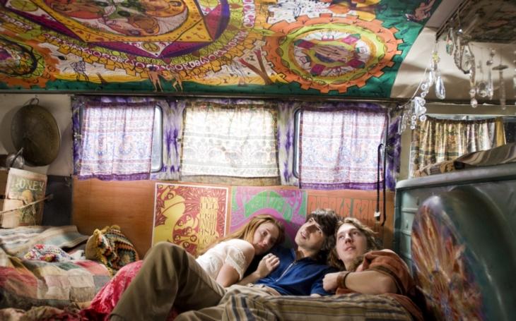 Hnutí hippies se vrací vreformované podobě 2.0. Co mají 60. léta společného sdneškem? Sobota Pavla Přeučila