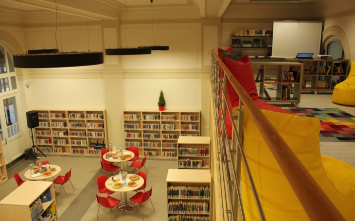 Turnov má raritu – knihovnu na nádraží. Považuje si jí nejen radnice, ale i její kmotr, herec Tomáš Hanák