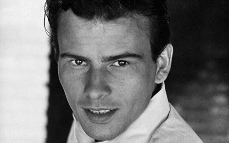 Krásný Berlíňan z českého sirotčince zazářil v Hollywoodu. A pak zjistil… Tajnosti slavných